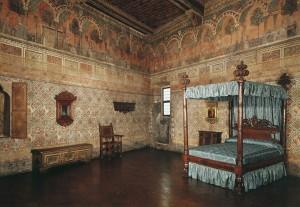 A second-floor bedroom Palazzo Davanzati, Florence Scala/Art Resource, NY