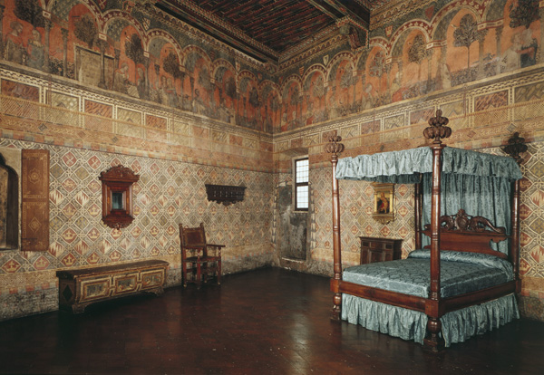 A second-floor bedroom<br />Palazzo Davanzati, Florence<br />Scala/Art Resource, NY