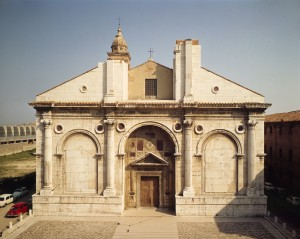 Leon Battista Alberti<br />Façade, Tempio Malatestiano, c. 1450<br />Tempio Malatestiano, Rimini, Italy<br />Scala/Art Resource, NY