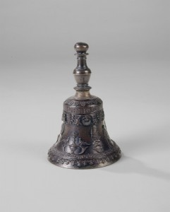 Giovanni Alberghetti A table bell with portrait of Ludovico Maria Sforza, Il Moro, possibly c. 1494/99 Bronze, h. 15.2 cm; diameter 9.9 cm (6 in.; 3 7/8 in.) National Gallery of Art, Washington, DC, Samuel H. Kress Collection  Image courtesy of the Board of Trustees, National Gallery of Art